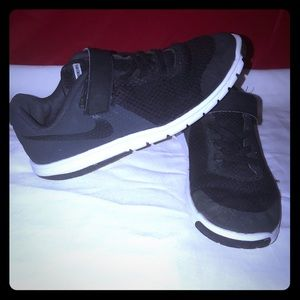 Nike Flex Kids 2 Youth Black & Dark Gray